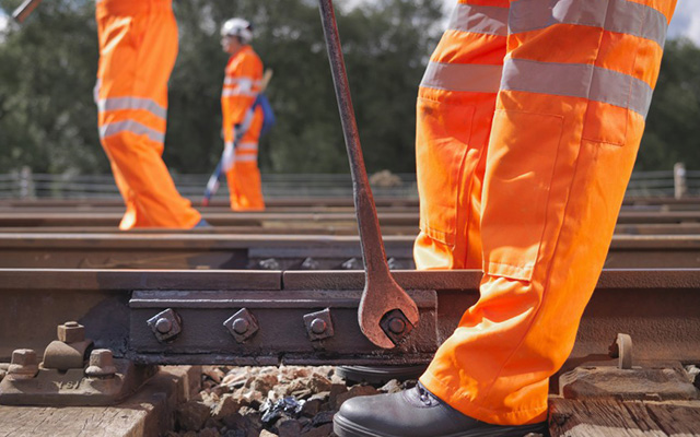 Modern Apprentices receive work-based assessment as part of achieving a qualification in Rail Engineering
